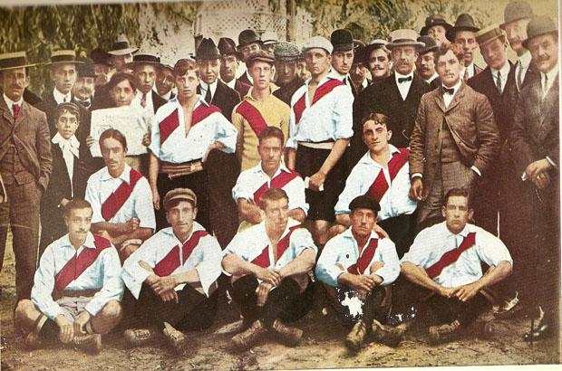 Utomeuropeiska fotbollsklubbar med många fans – River Plate